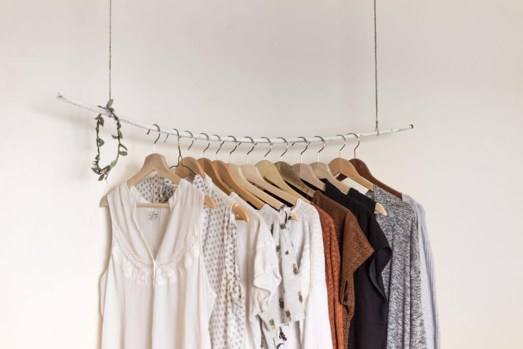 3 Simple Ways to Clean Out Your Closet