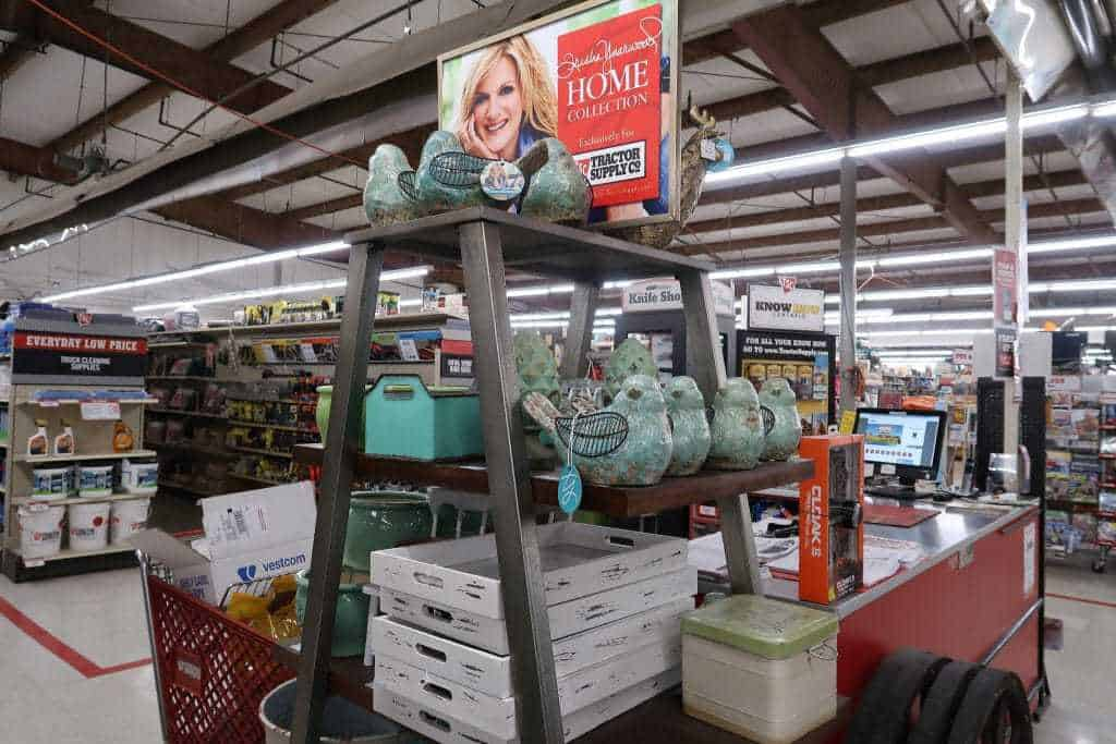 Tractor Supply Farmhouse Decor Roundup